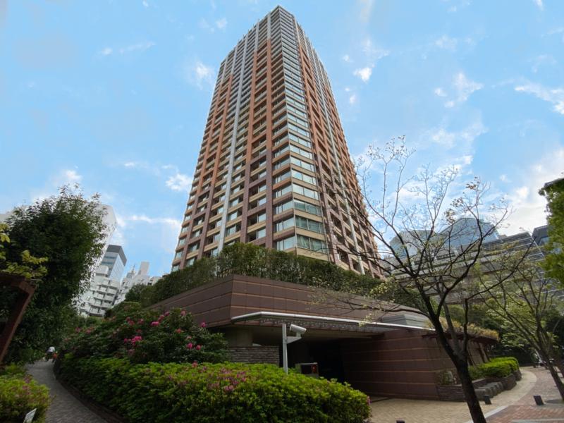 青山パークタワー 外観画像